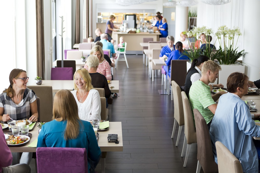 놀란디아 케어 탬피어 호텔(Norlandia Care Tampere Hotel) Hotel Image 14 - Restaurant