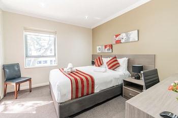 Deluxe Room, 1 Queen Bed, Non Smoking, Balcony
