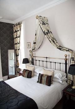 Double Room, Partial Sea View (Regency)