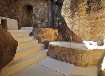 카야 마와(Kaya Mawa) Hotel Image 37 - Bathroom