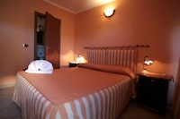 Basic Double Room, 1 Double Bed, Courtyard Area