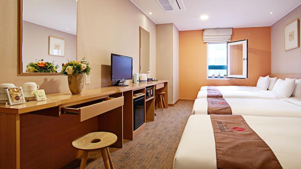 호텔 스카이파크 명동 III(HOTEL SKYPARK Myeongdong III) Hotel Image 11 - Guestroom