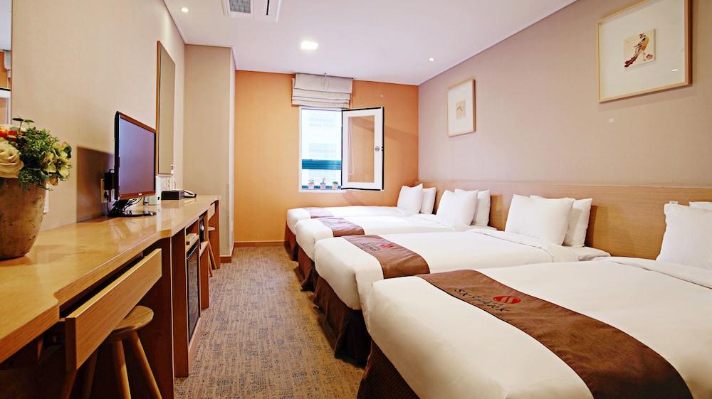 호텔 스카이파크 명동 III(HOTEL SKYPARK Myeongdong III) Hotel Image 12 - Guestroom