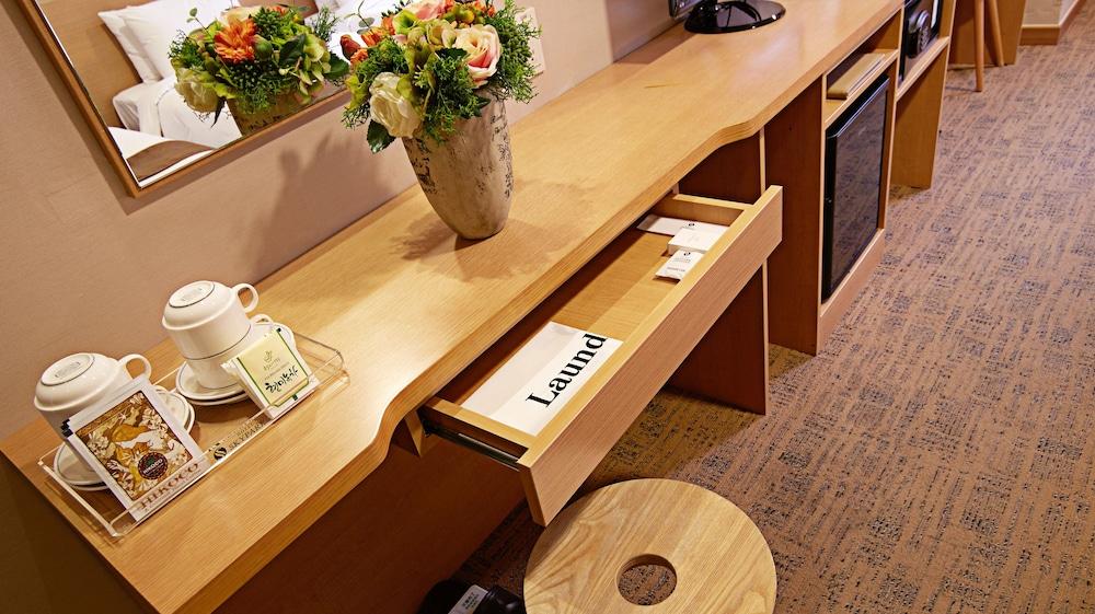 호텔 스카이파크 명동 III(HOTEL SKYPARK Myeongdong III) Hotel Image 48 - In-Room Amenity