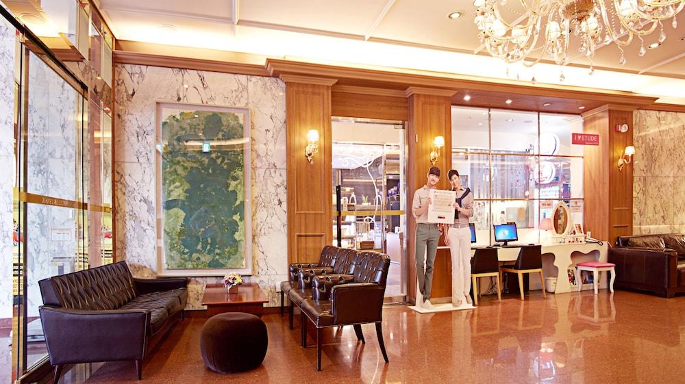 호텔 스카이파크 명동 III(HOTEL SKYPARK Myeongdong III) Hotel Image 1 - Lobby