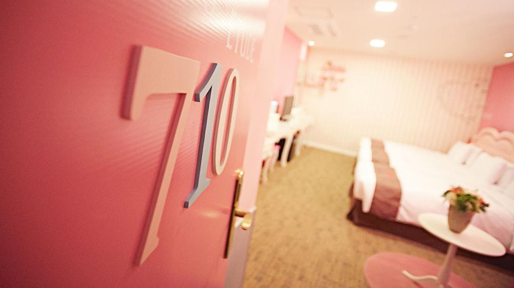 호텔 스카이파크 명동 III(HOTEL SKYPARK Myeongdong III) Hotel Image 7 - Guestroom