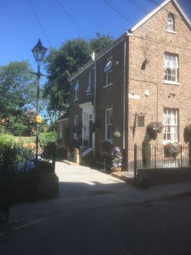 Crook Lodge, York