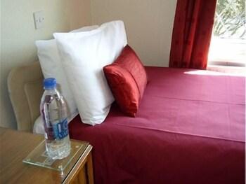 애번데일(The Avondale) Hotel Image 4 - Guestroom