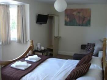 배블링 브룩 게스트 하우스(Babbling Brook Guest House) Hotel Image 8 - Guestroom