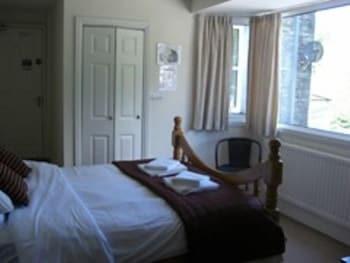 배블링 브룩 게스트 하우스(Babbling Brook Guest House) Hotel Image 2 - Guestroom
