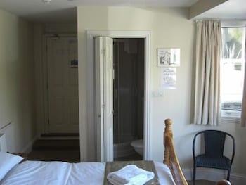 배블링 브룩 게스트 하우스(Babbling Brook Guest House) Hotel Image 15 - Guestroom