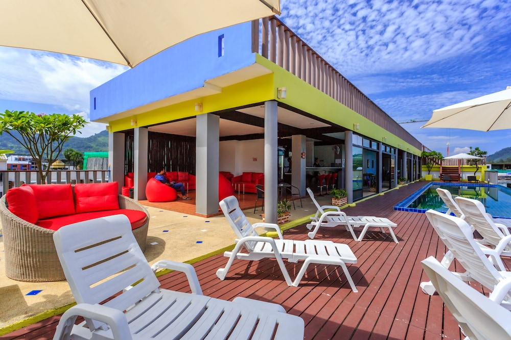 7Q 파통 비치 호텔(7Q Patong Beach Hotel) Hotel Image 3 - Pool