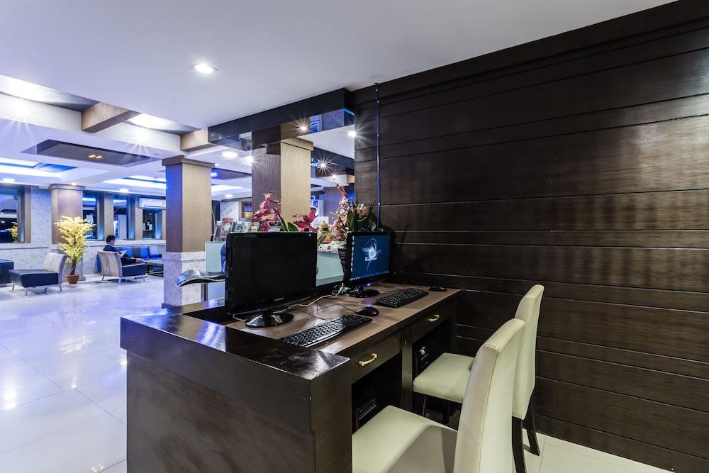 7Q 파통 비치 호텔(7Q Patong Beach Hotel) Hotel Image 58 - Business Center