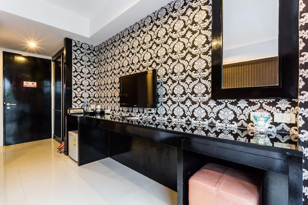 7Q 파통 비치 호텔(7Q Patong Beach Hotel) Hotel Image 24 - In-Room Amenity