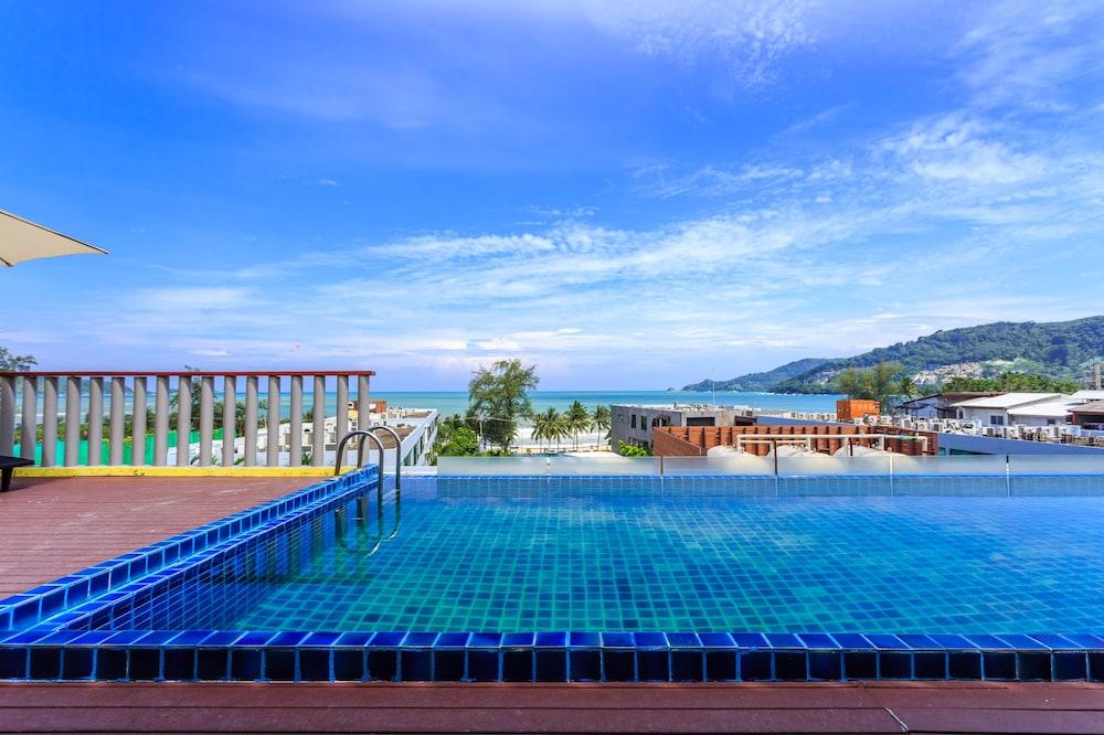 7Q 파통 비치 호텔(7Q Patong Beach Hotel) Hotel Image 61 - Terrace/Patio