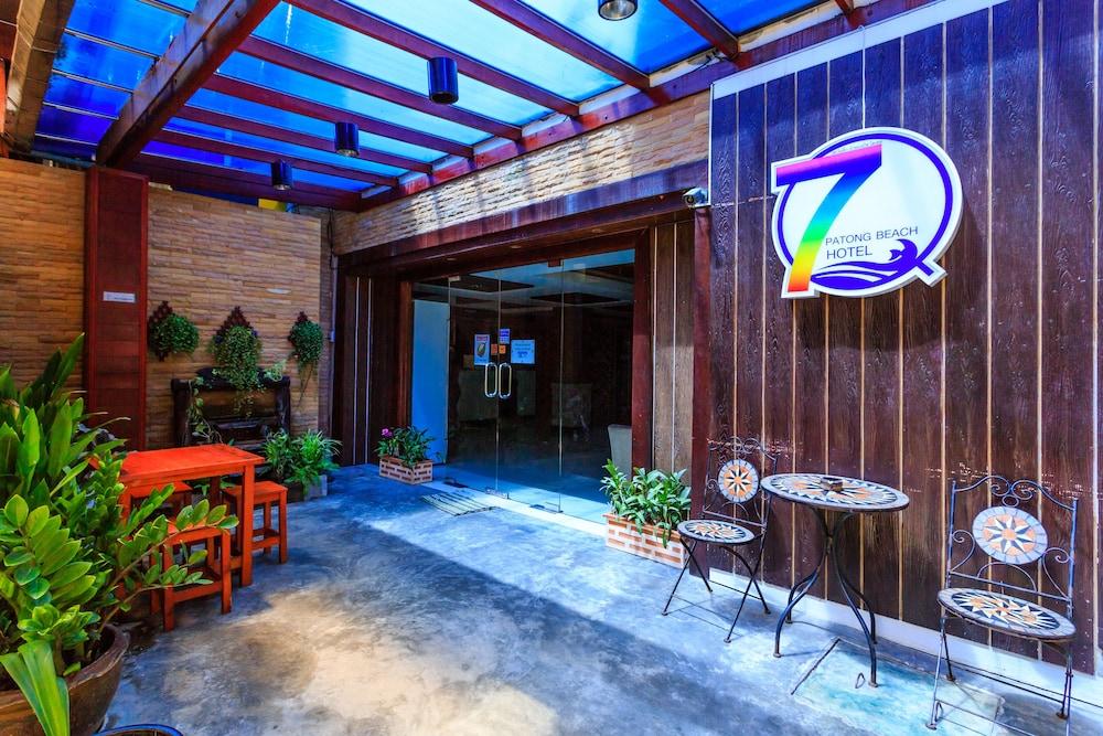 7Q 파통 비치 호텔(7Q Patong Beach Hotel) Hotel Image 59 - Hotel Entrance