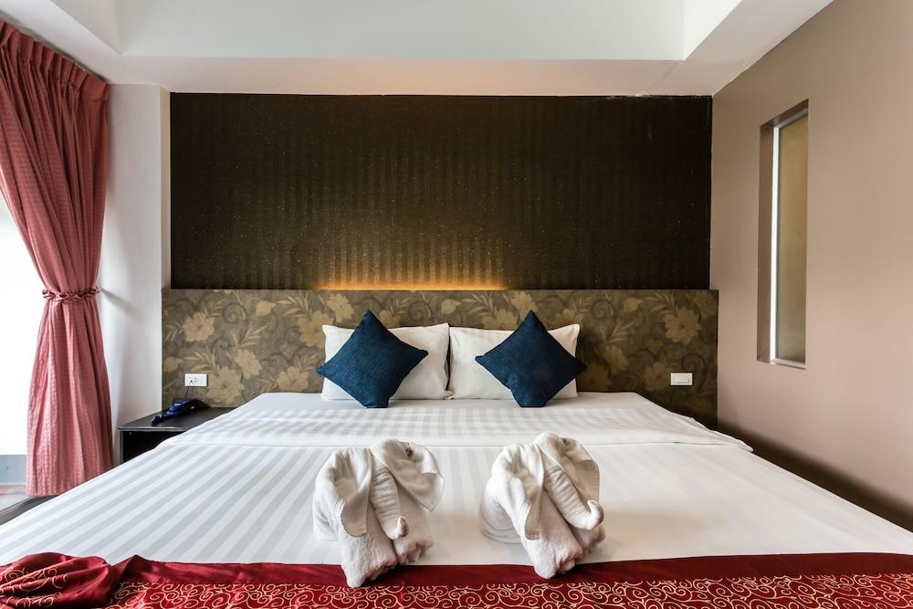 7Q 파통 비치 호텔(7Q Patong Beach Hotel) Hotel Image 10 - Guestroom