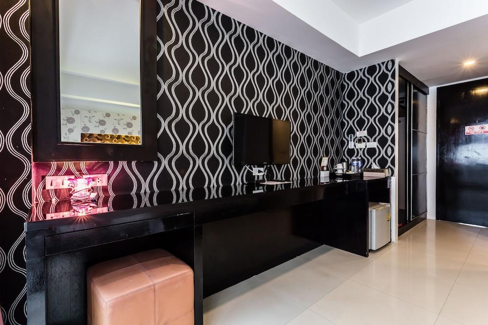 7Q 파통 비치 호텔(7Q Patong Beach Hotel) Hotel Image 25 - In-Room Amenity