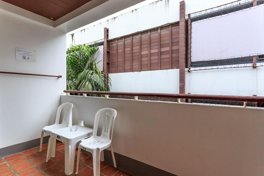 7Q 파통 비치 호텔(7Q Patong Beach Hotel) Hotel Image 20 - Balcony