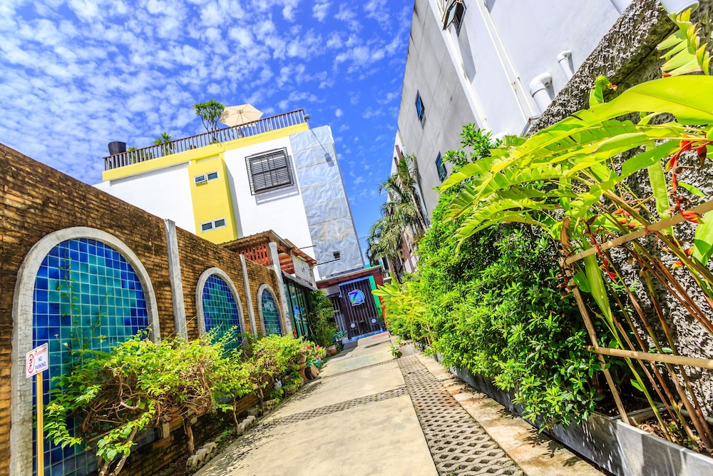 7Q 파통 비치 호텔(7Q Patong Beach Hotel) Hotel Image 62 - Exterior detail