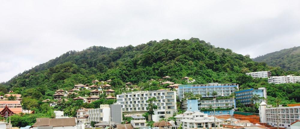 7Q 파통 비치 호텔(7Q Patong Beach Hotel) Hotel Image 72 - Mountain View