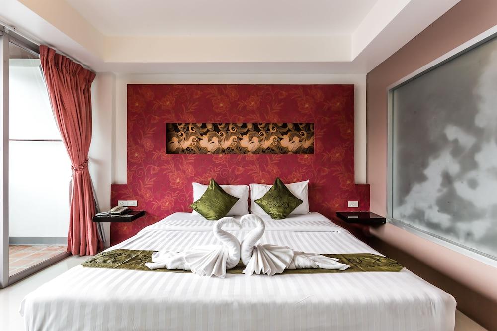 7Q 파통 비치 호텔(7Q Patong Beach Hotel) Hotel Image 13 - Guestroom