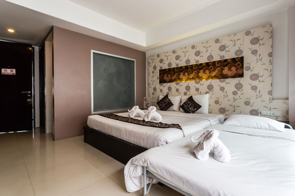7Q 파통 비치 호텔(7Q Patong Beach Hotel) Hotel Image 14 - Guestroom