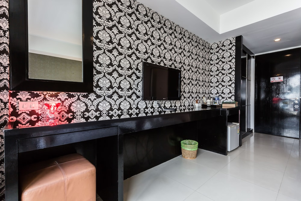7Q 파통 비치 호텔(7Q Patong Beach Hotel) Hotel Image 30 - In-Room Amenity