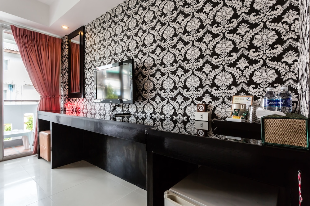 7Q 파통 비치 호텔(7Q Patong Beach Hotel) Hotel Image 31 - In-Room Amenity