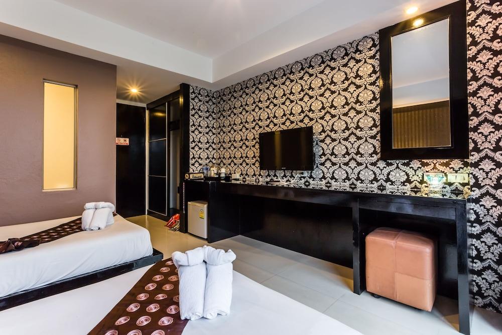 7Q 파통 비치 호텔(7Q Patong Beach Hotel) Hotel Image 15 - Guestroom