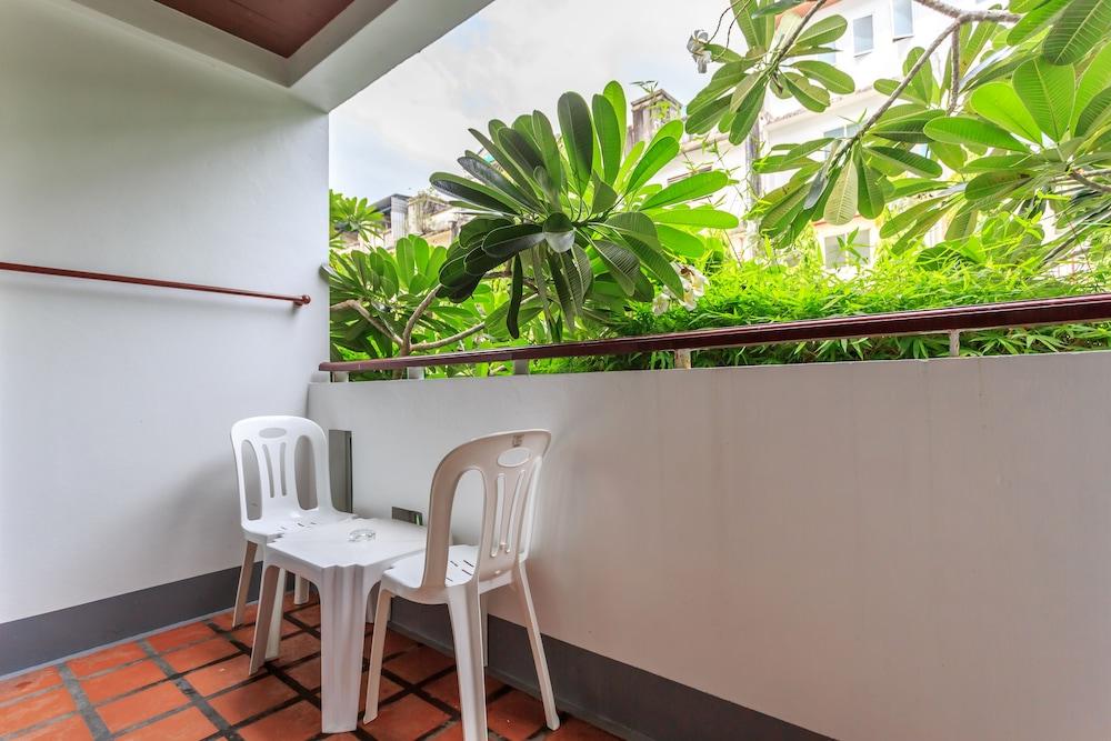 7Q 파통 비치 호텔(7Q Patong Beach Hotel) Hotel Image 22 - Balcony