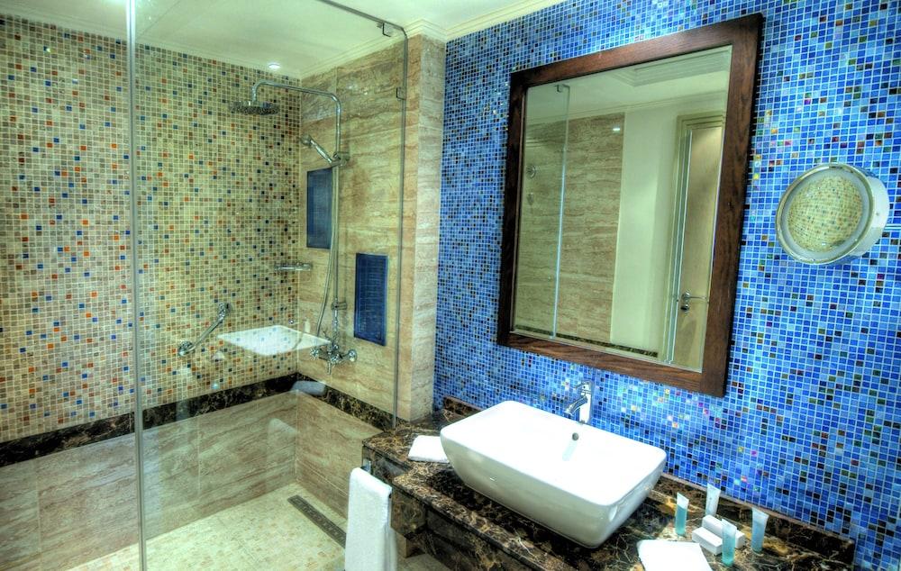 힐튼 마르사 알람 누비안 리조트(Hilton Marsa Alam Nubian Resort) Hotel Image 56 - Bathroom