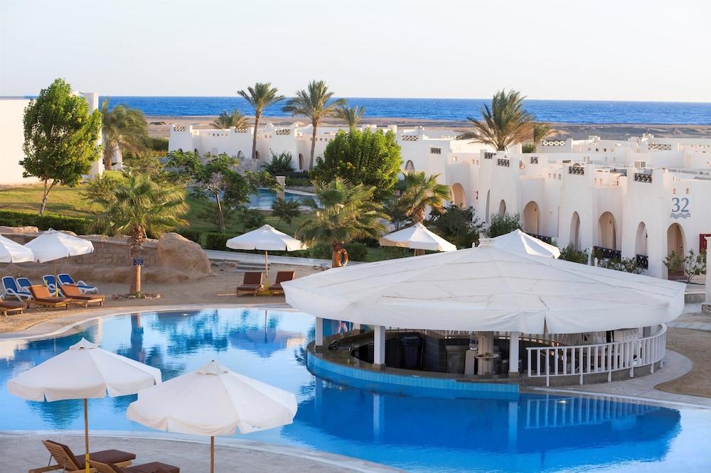 힐튼 마르사 알람 누비안 리조트(Hilton Marsa Alam Nubian Resort) Hotel Image 3 - Pool