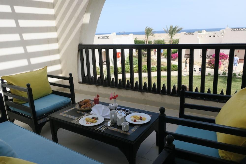 힐튼 마르사 알람 누비안 리조트(Hilton Marsa Alam Nubian Resort) Hotel Image 54 - Guestroom View