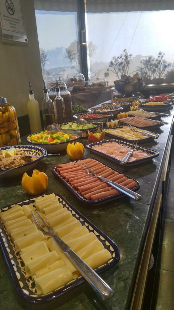 내셔널 호텔 예루살렘(National Hotel Jerusalem) Hotel Image 41 - Buffet