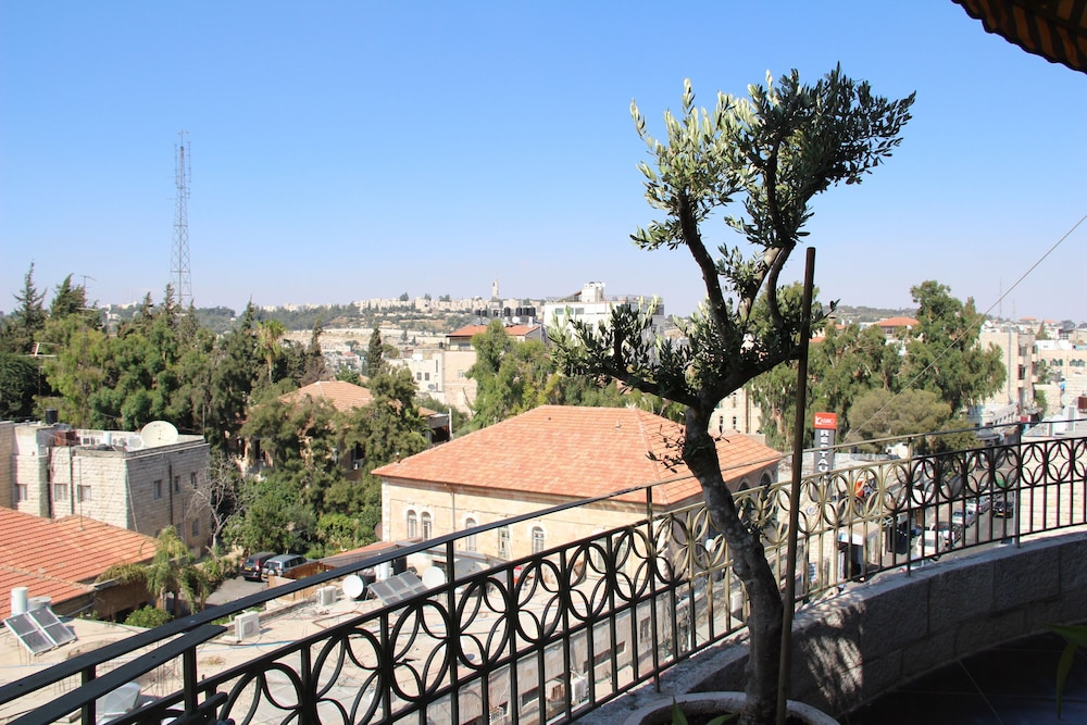 내셔널 호텔 예루살렘(National Hotel Jerusalem) Hotel Image 53 - Porch