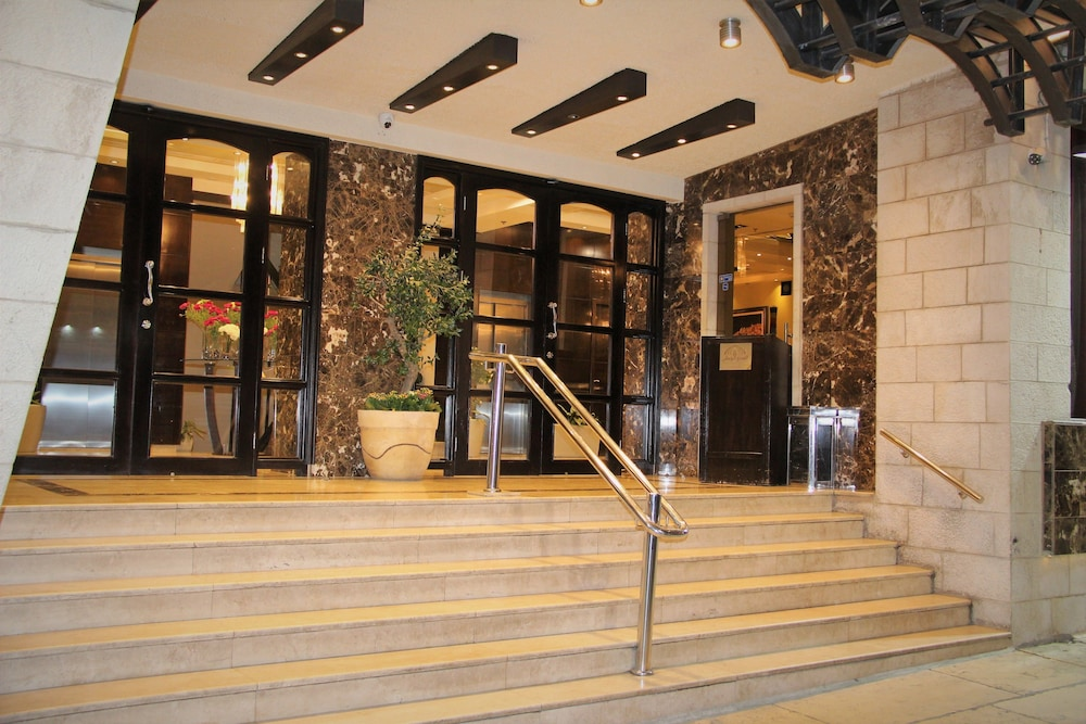 내셔널 호텔 예루살렘(National Hotel Jerusalem) Hotel Thumbnail Image 51 - Hotel Entrance