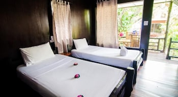 시 가든 리조트 - 하아드 린(Sea Garden Resort - Haad Rin) Hotel Image 12 - Guestroom