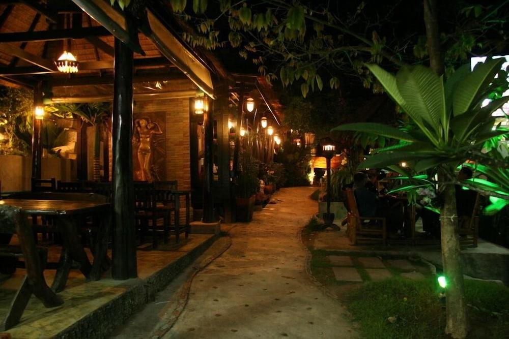 시 가든 리조트 - 하아드 린(Sea Garden Resort - Haad Rin) Hotel Image 29 - Restaurant