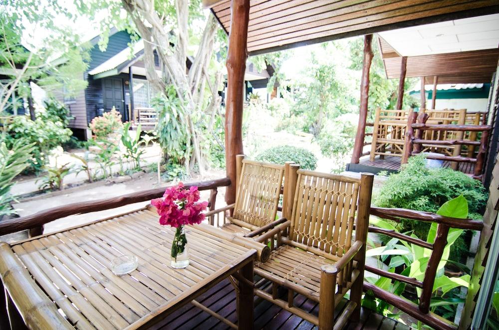 시 가든 리조트 - 하아드 린(Sea Garden Resort - Haad Rin) Hotel Image 22 - Balcony