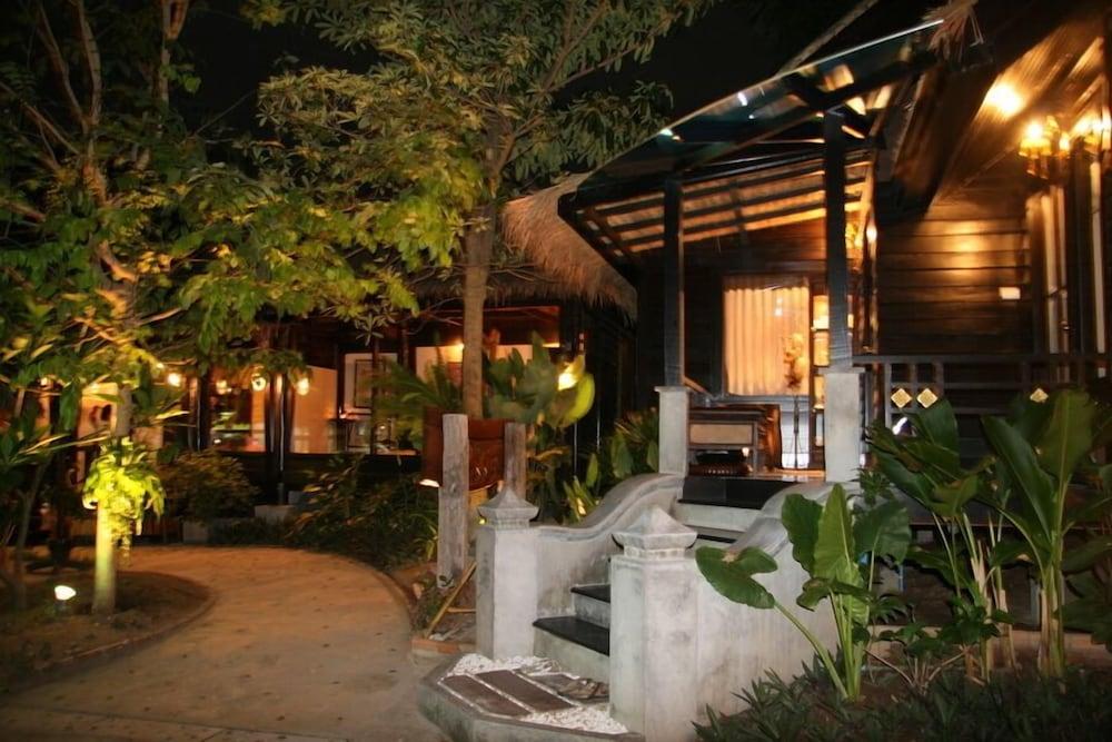 시 가든 리조트 - 하아드 린(Sea Garden Resort - Haad Rin) Hotel Image 34 - Exterior
