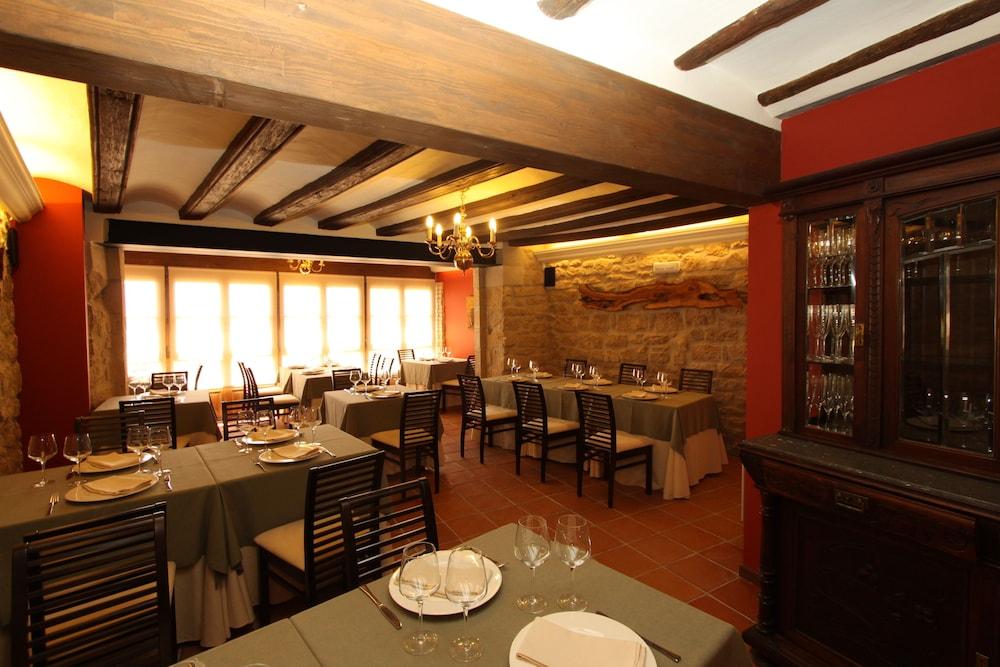 호텔 델 시트하르(Hotel del Sitjar) Hotel Image 35 - Restaurant