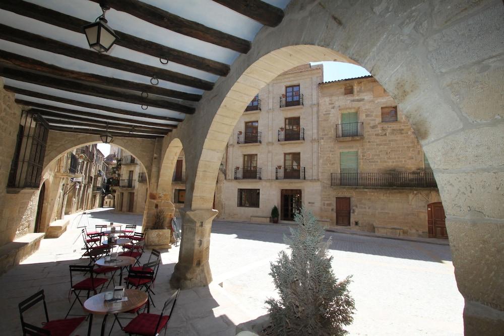 호텔 델 시트하르(Hotel del Sitjar) Hotel Image 50 - Porch