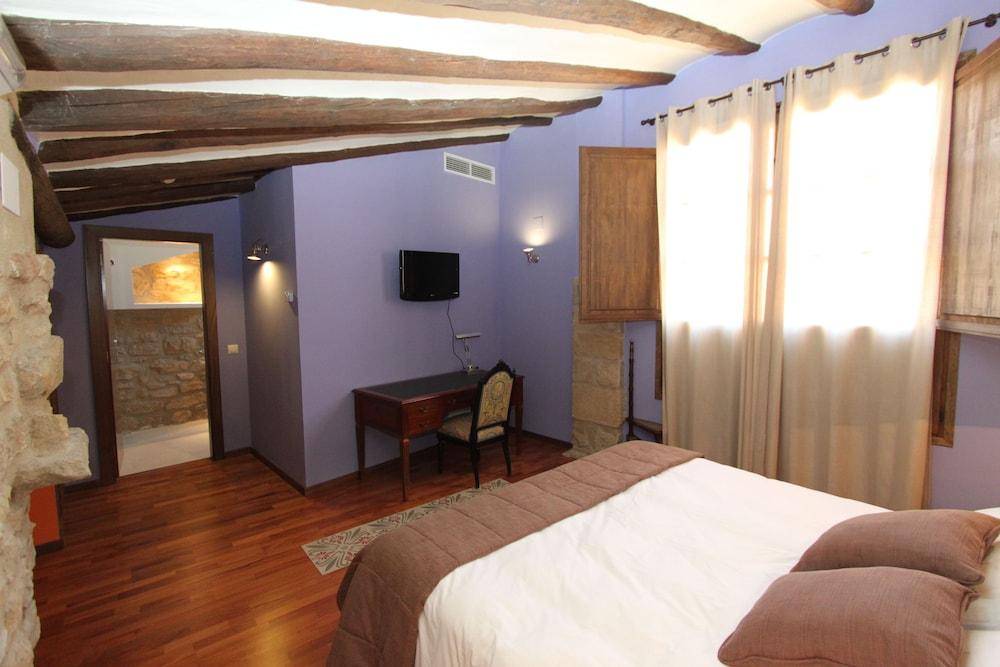 호텔 델 시트하르(Hotel del Sitjar) Hotel Image 9 - Guestroom
