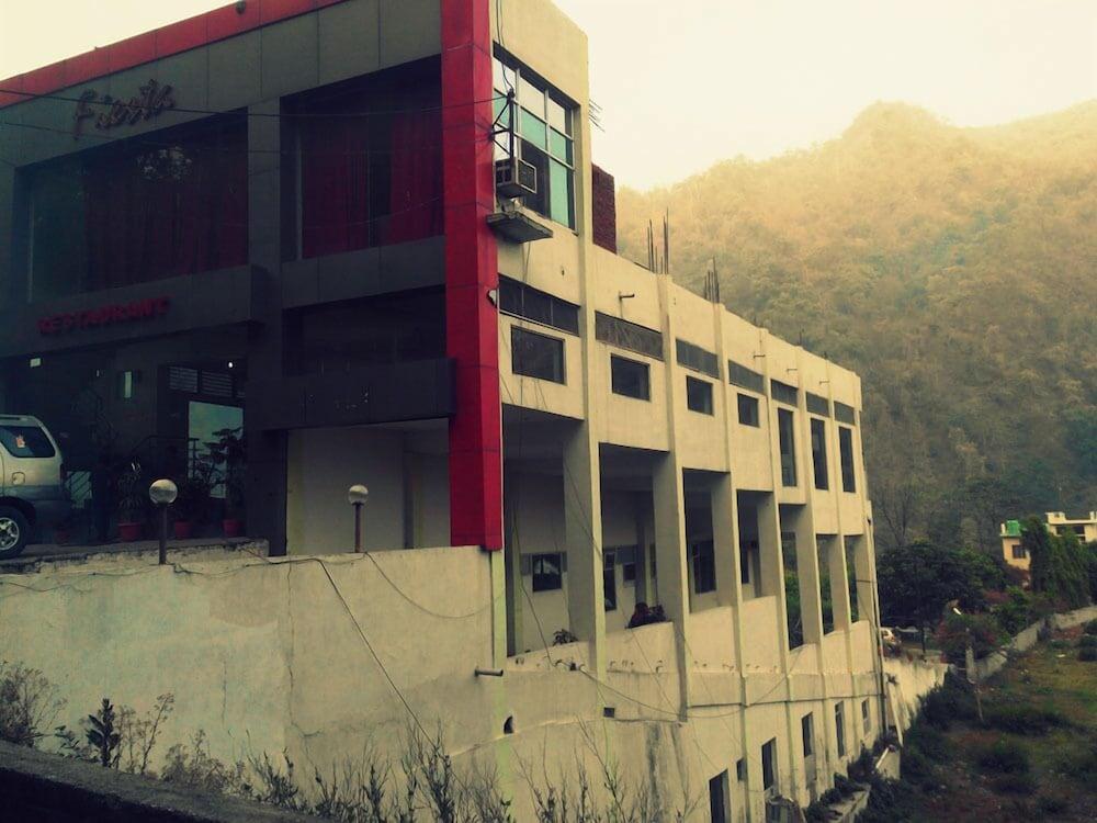 피에스타 호텔(Fiesta Hotel) Hotel Image 0 - Featured Image