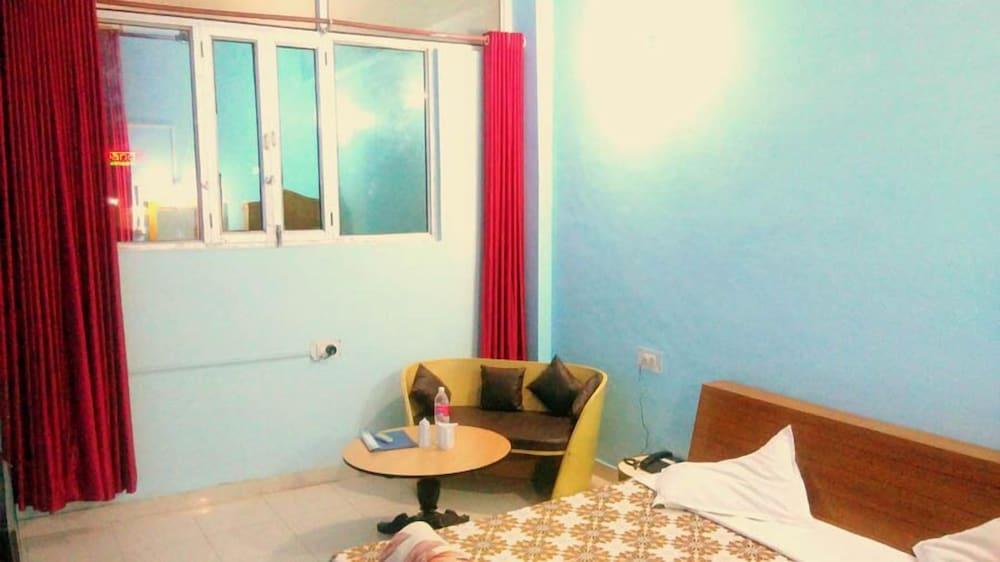 피에스타 호텔(Fiesta Hotel) Hotel Image 4 - Guestroom