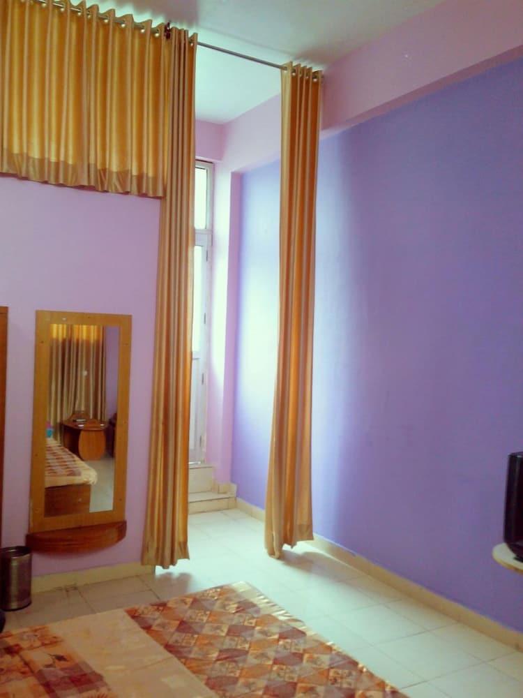 피에스타 호텔(Fiesta Hotel) Hotel Image 6 - Guestroom