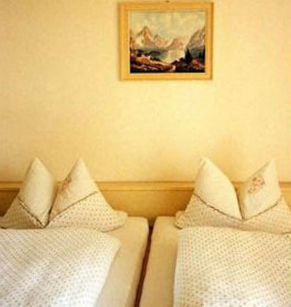 럭키 스타 호텔(Lucky Star Hotel) Hotel Image 5 - Guestroom