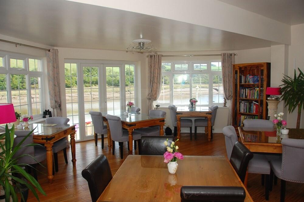 리버사이드 코티지 게스트하우스(Riverside Cottage Guesthouse) Hotel Image 19 - Dining