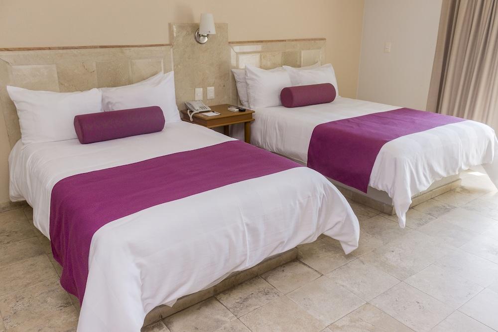 퀄리티 인 마사틀란(Quality Inn Mazatlan) Hotel Image 21 - Guestroom